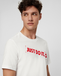 Nike - M NSW TEE REMIX 4 T-shirt - Regular fit - Vit