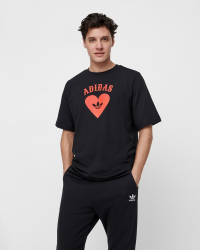 Adidas - V Day T-shirt - Regular fit - Svart