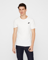 Nike - TEE CLUB EMBRD T-shirt - Regular fit - Vit